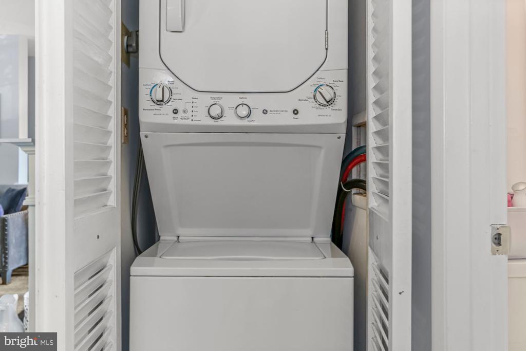 New Washer/Dryer - 2621 S WALTER REED DR #D, ARLINGTON