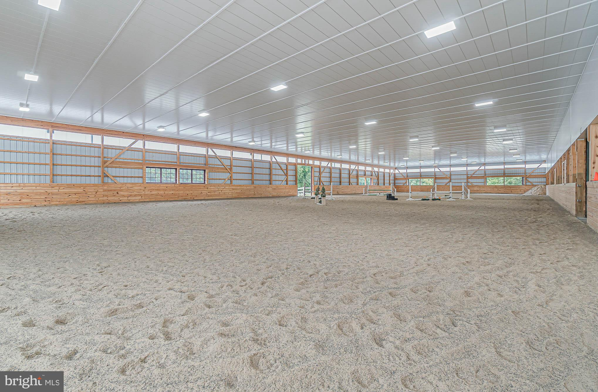 180' x 75' Indoor w/ upgraded ceiling & lighting