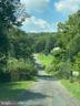 Long Private Driveway - 22313 EVERGREEN MILLS RD, LEESBURG
