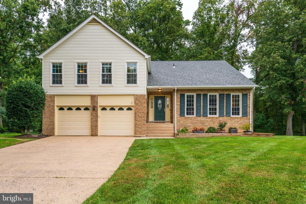 - 12 LIPSCOMB CT, STERLING