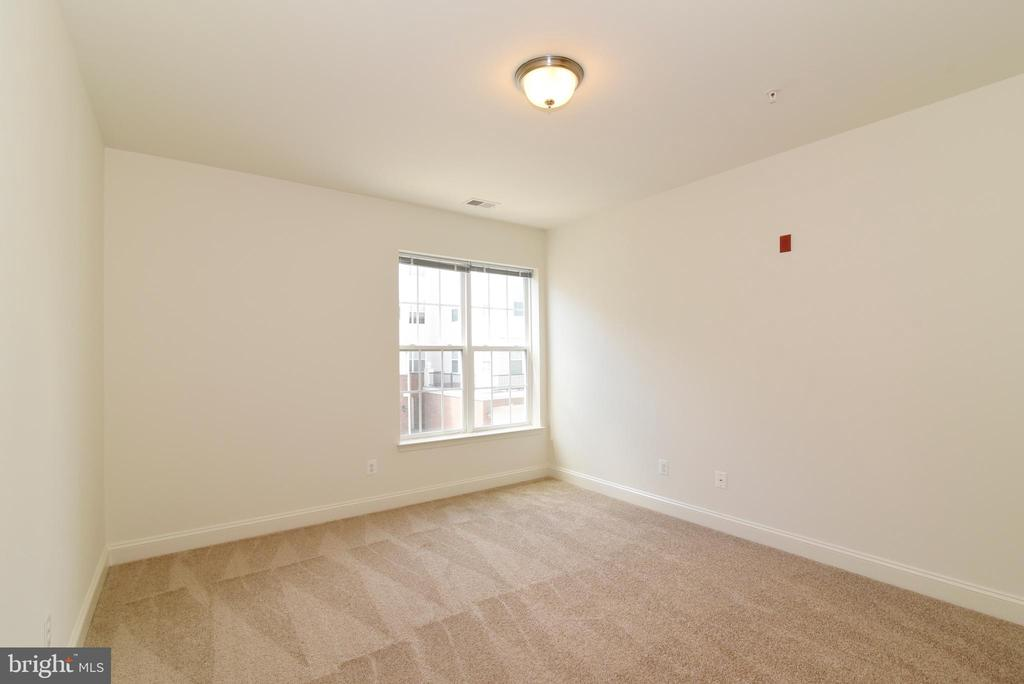 Second bedroom (2) - 9200 CHARLESTON DR #201, MANASSAS