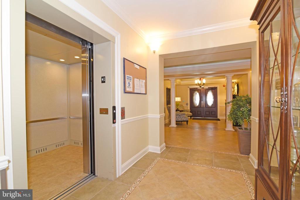 Elevator is waiting to take you! - 9200 CHARLESTON DR #201, MANASSAS