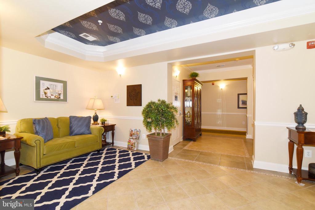 Welcoming Lobby! - 9200 CHARLESTON DR #201, MANASSAS