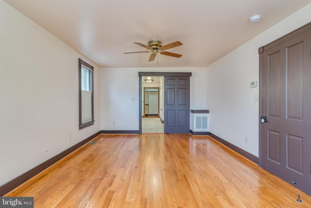 Main level owners suite - 331 HIGH ST, SHEPHERDSTOWN