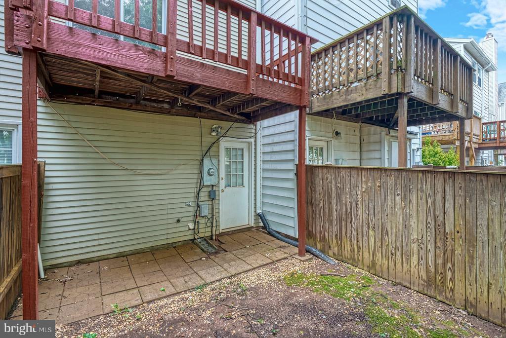 fenced yard - 4120 PLACID LAKE CT #66E, CHANTILLY