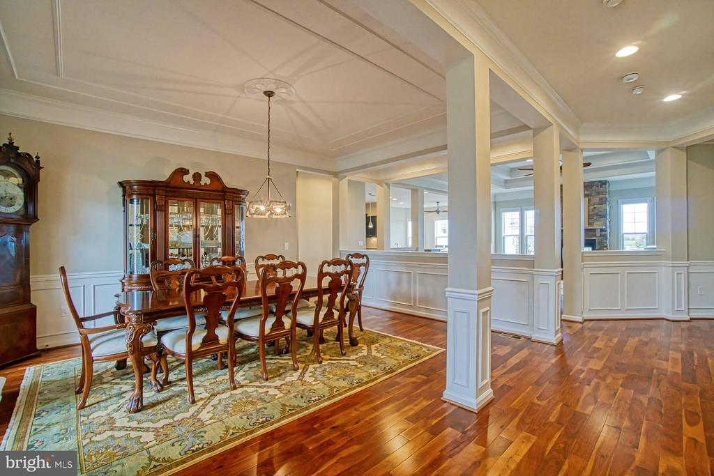 Open floor plan - throughout main level - 16604 FOX CHASE CT, LEESBURG