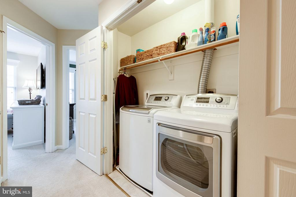 Just outside you'll find third level laundry! Yay! - 3162 GROVEHURST PL, ALEXANDRIA