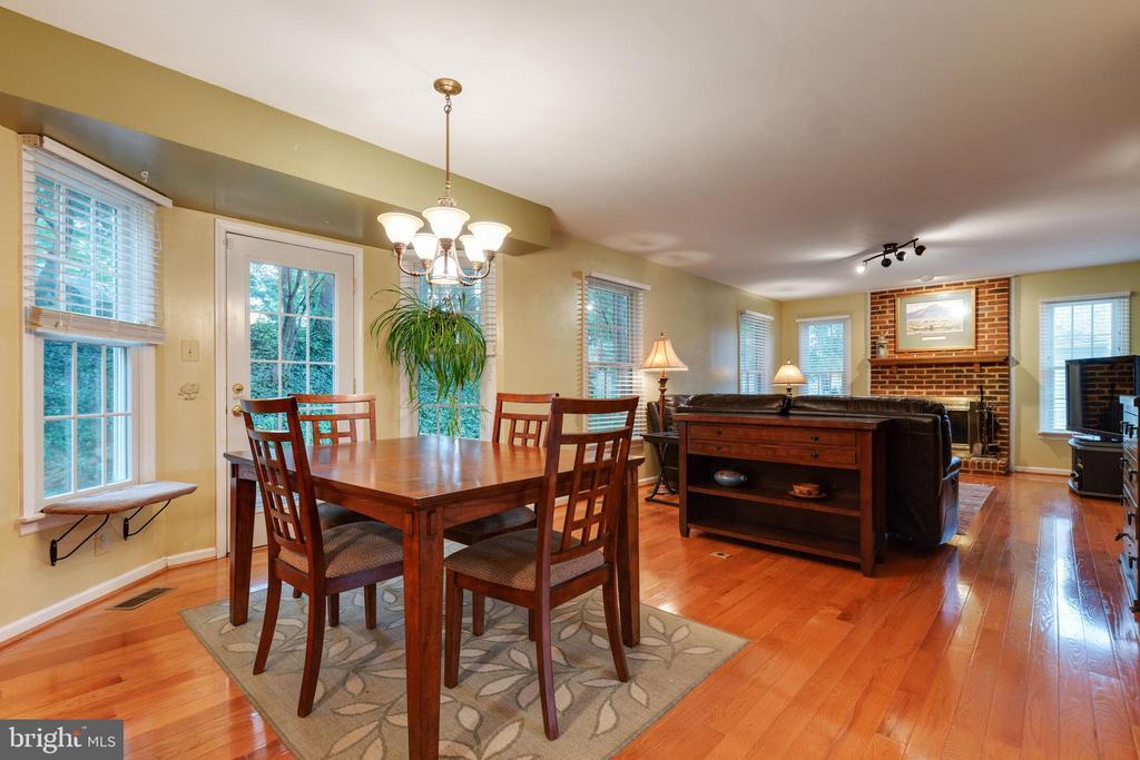 Eat in Kitchen / Breakfast area - 15697 THISTLE CT, DUMFRIES