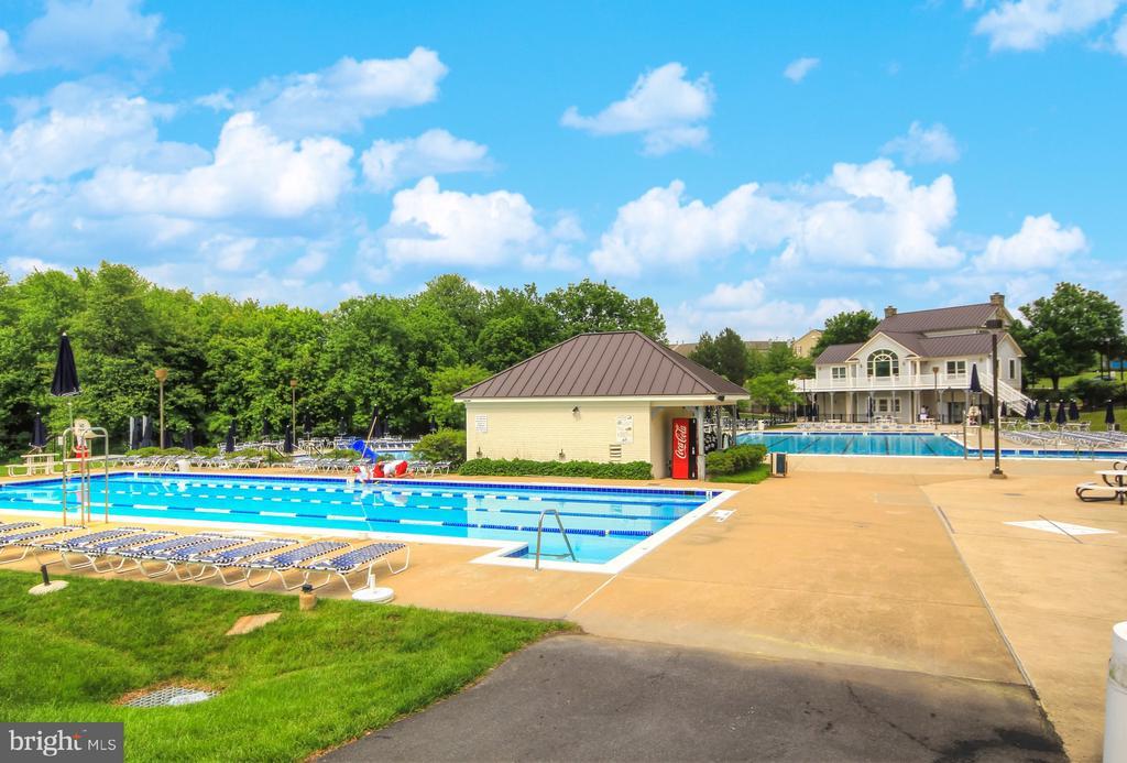Community Pool - 9005 SHADYBROOK DR, FREDERICK