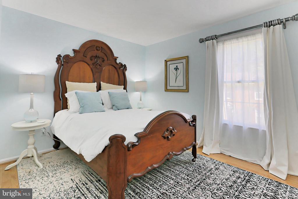 Bedroom #4 - 9637 LINCOLNWOOD DR, BURKE