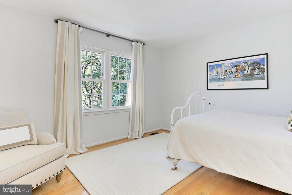 Bedroom #2 - 9637 LINCOLNWOOD DR, BURKE