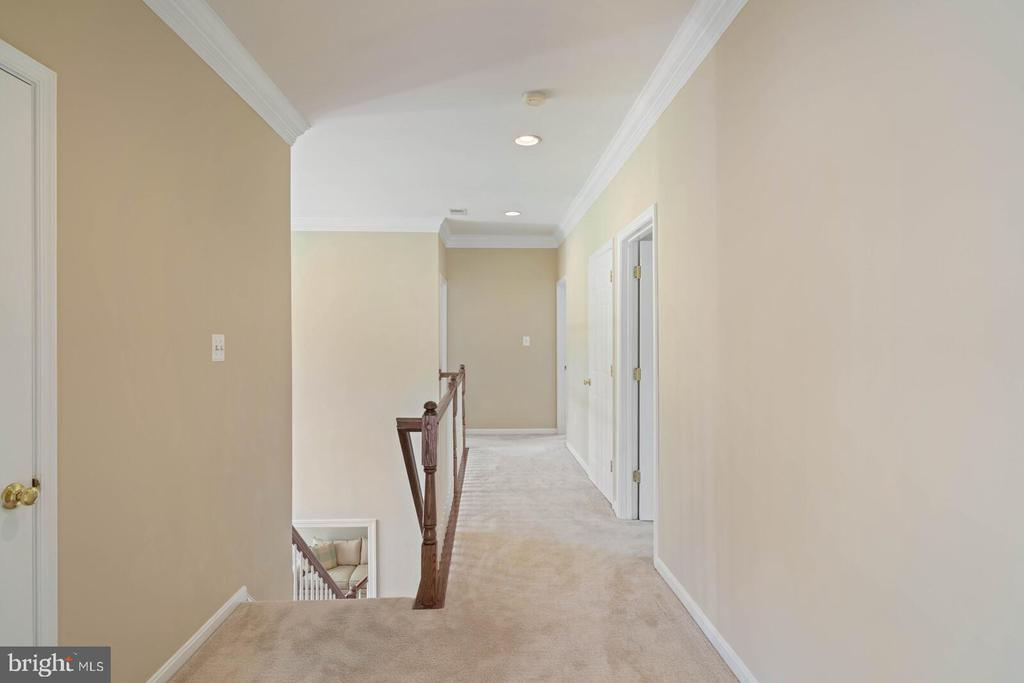 Center Hall to 3 Generous Bedrooms - 22554 FOREST RUN DR, ASHBURN
