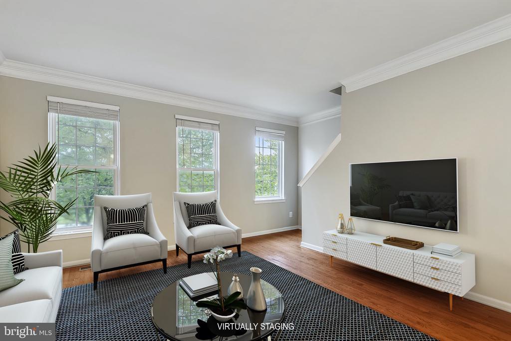 Living room w/ HW floors, 9' ceilings - 25146 DRILLFIELD, CHANTILLY