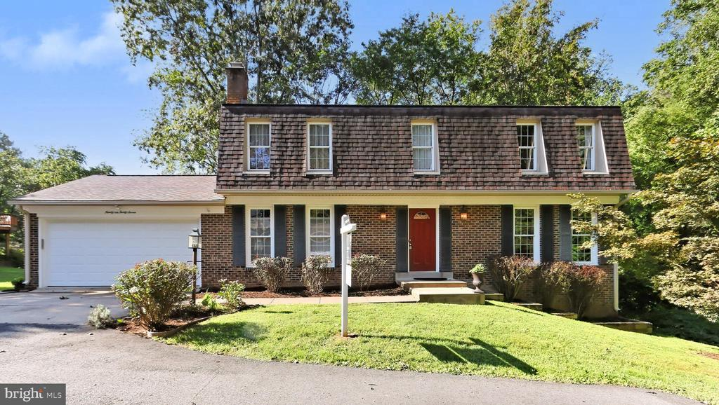 Welcome Home to  Lincolnwood! - 9637 LINCOLNWOOD DR, BURKE