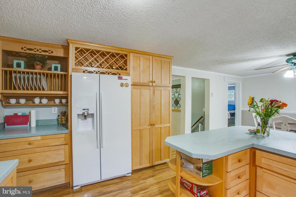 Custom cabinetry - 12400 TOLL HOUSE RD, SPOTSYLVANIA