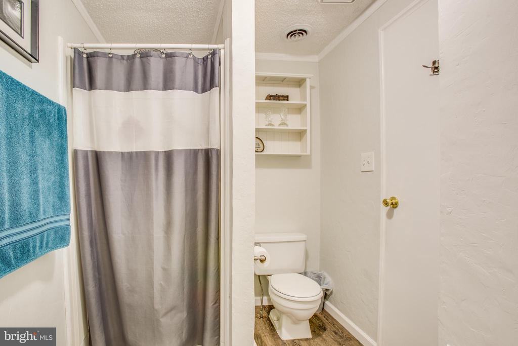 Stand up shower in master - 12400 TOLL HOUSE RD, SPOTSYLVANIA