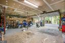 Huge garage - 12400 TOLL HOUSE RD, SPOTSYLVANIA
