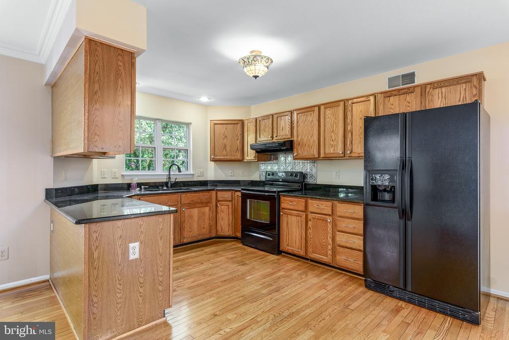Kitchen - 46490 CEDARHURST DR, STERLING