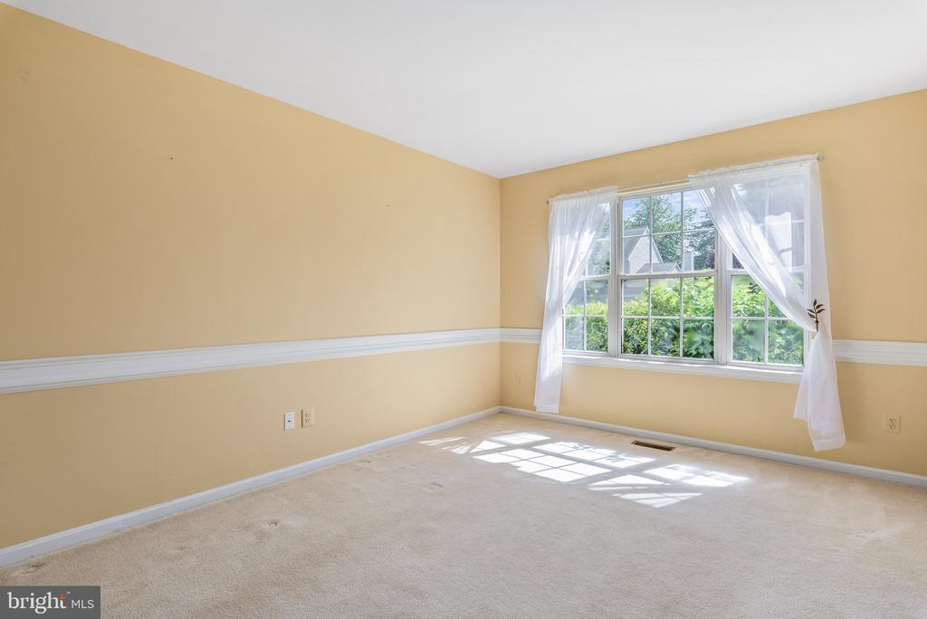Living Room - 46490 CEDARHURST DR, STERLING