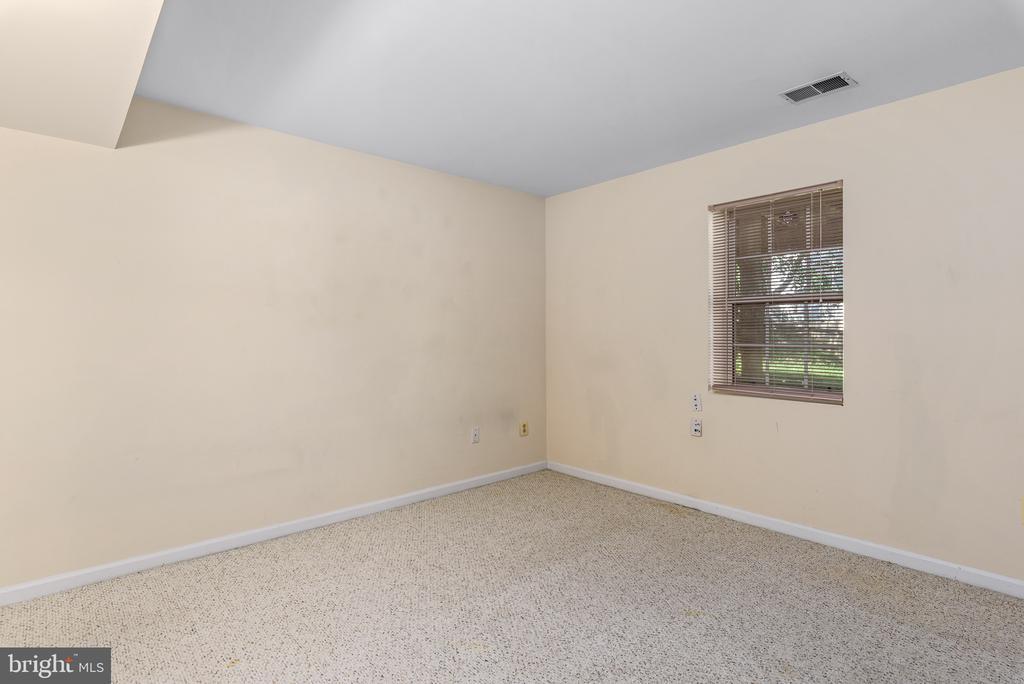 Lower Level Bedroom #4 - 46490 CEDARHURST DR, STERLING