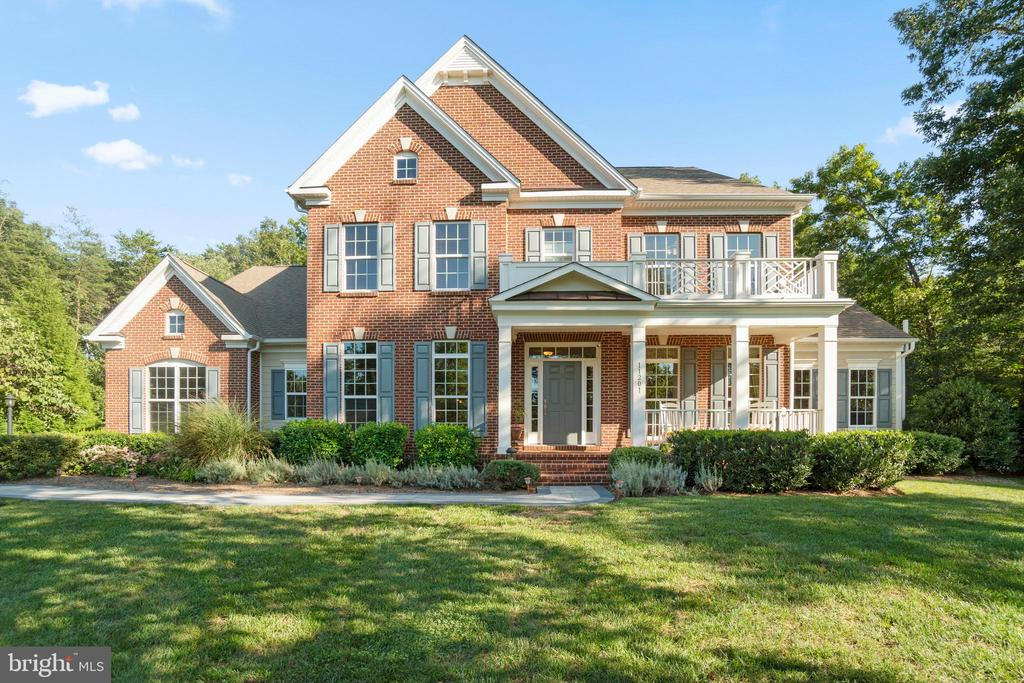 Welcome to 11202 Bluffs View in Fawn Lake - 11201 BLUFFS VW, SPOTSYLVANIA