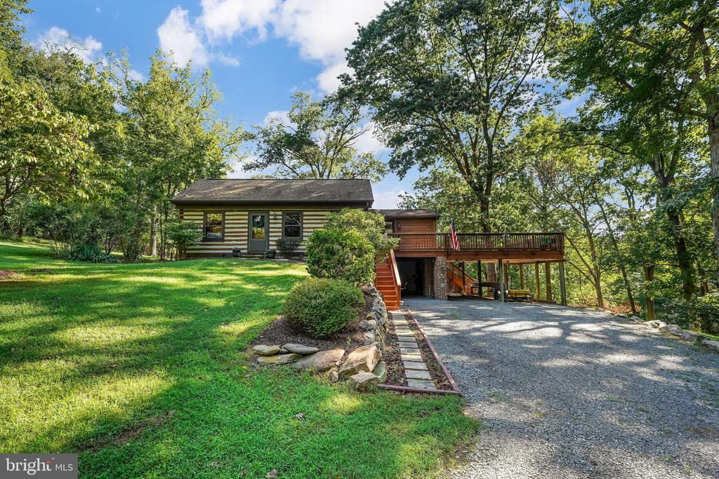Charming Cabin - 34970 CHARLES TOWN, PURCELLVILLE