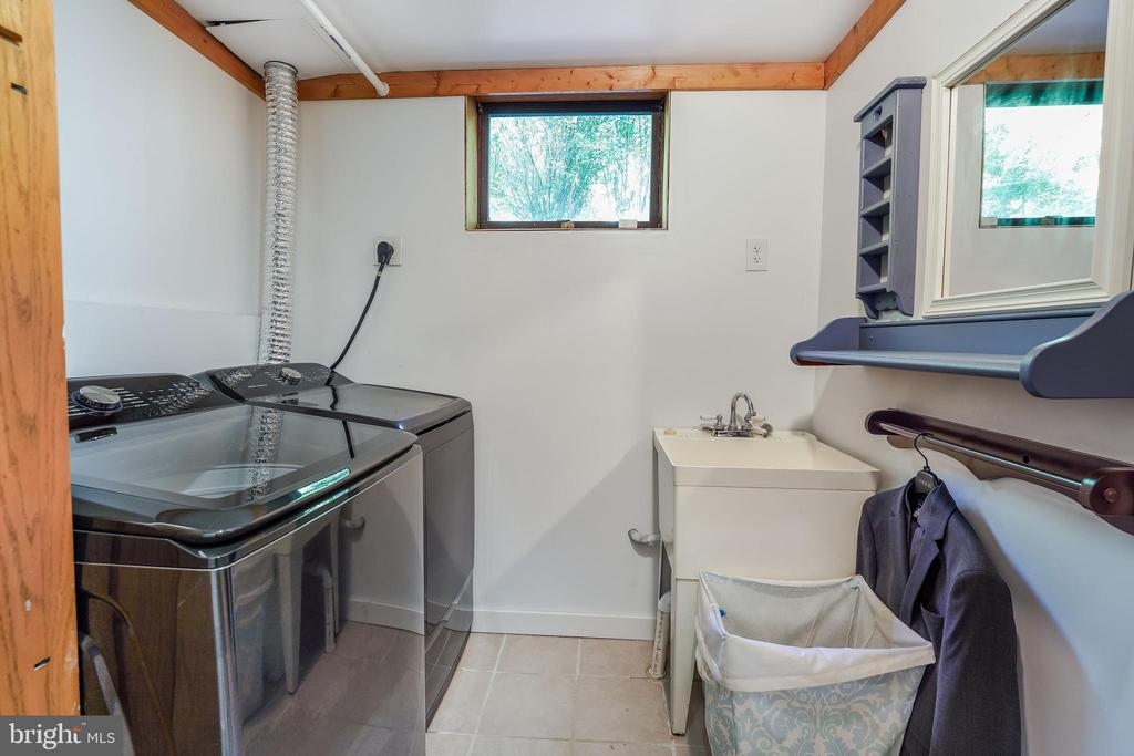 New Washer and Dryer (10/2020) - 34970 CHARLES TOWN, PURCELLVILLE