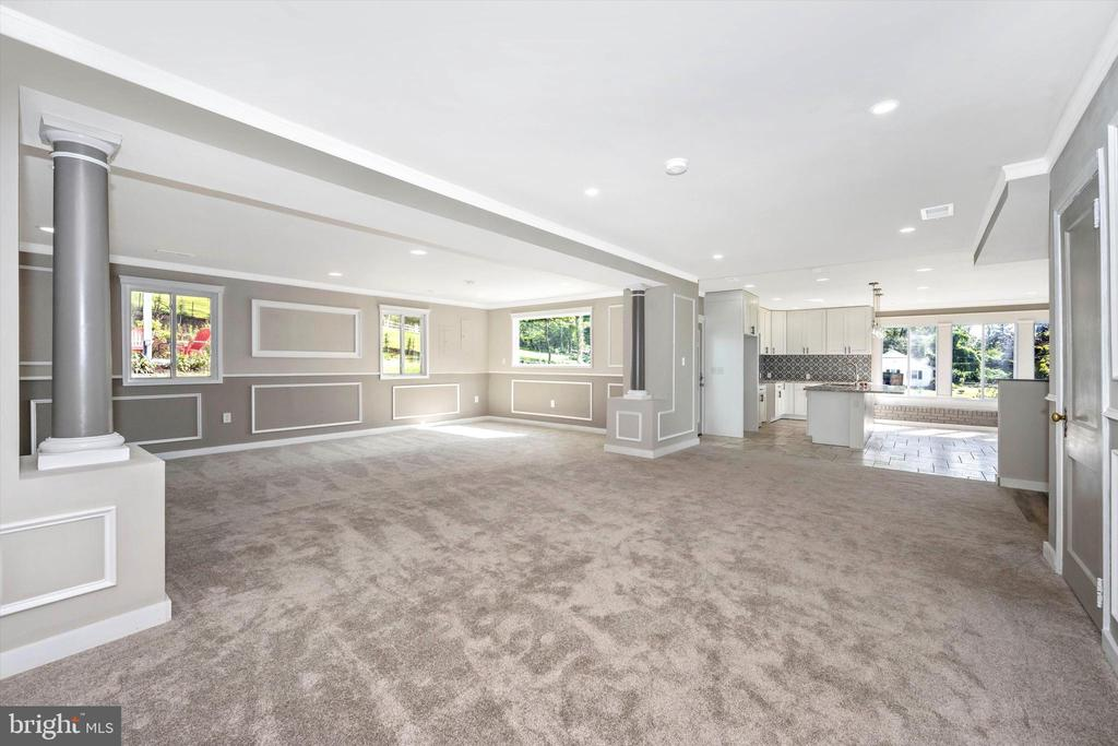 Family Room To Brand New Kitchen Addition - 6121 QUINN RD, FREDERICK