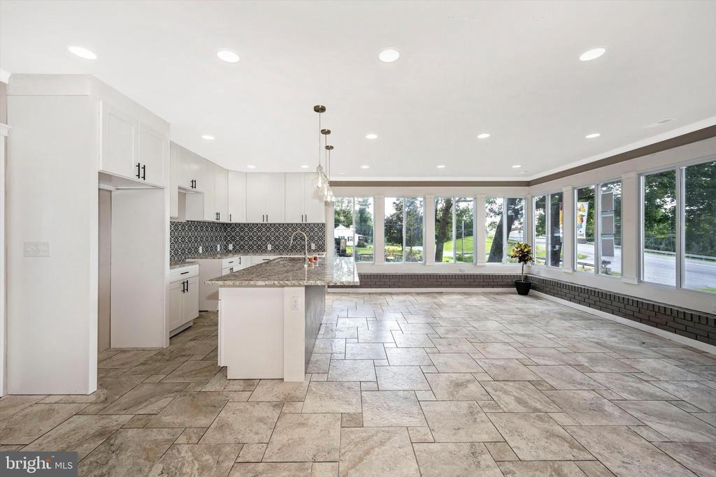 Breathtaking Sunsets - Right From Your Kitchen - 6121 QUINN RD, FREDERICK