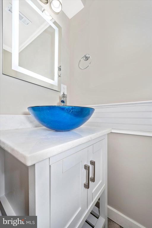 New Main Floor Hall Bath w/ Bright Vessel Sink - 6121 QUINN RD, FREDERICK