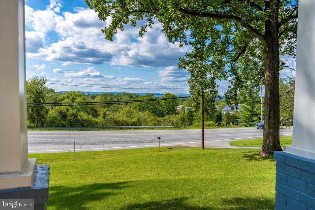 One-Of-A-Kind Appalachian Mountain Views - 6121 QUINN RD, FREDERICK