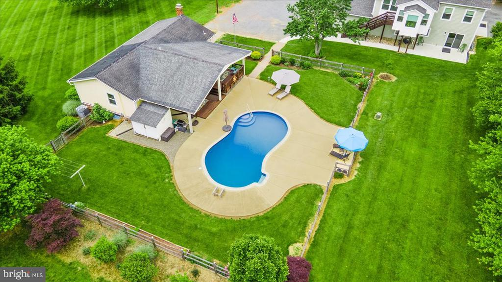 Incredible, Unique Property - 37872 CHARLES TOWN PIKE, HILLSBORO