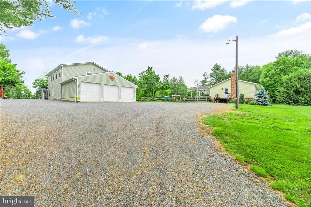 Huge Outbuilding w/3 Bay Garage & Loads of Parking - 37872 CHARLES TOWN PIKE, HILLSBORO