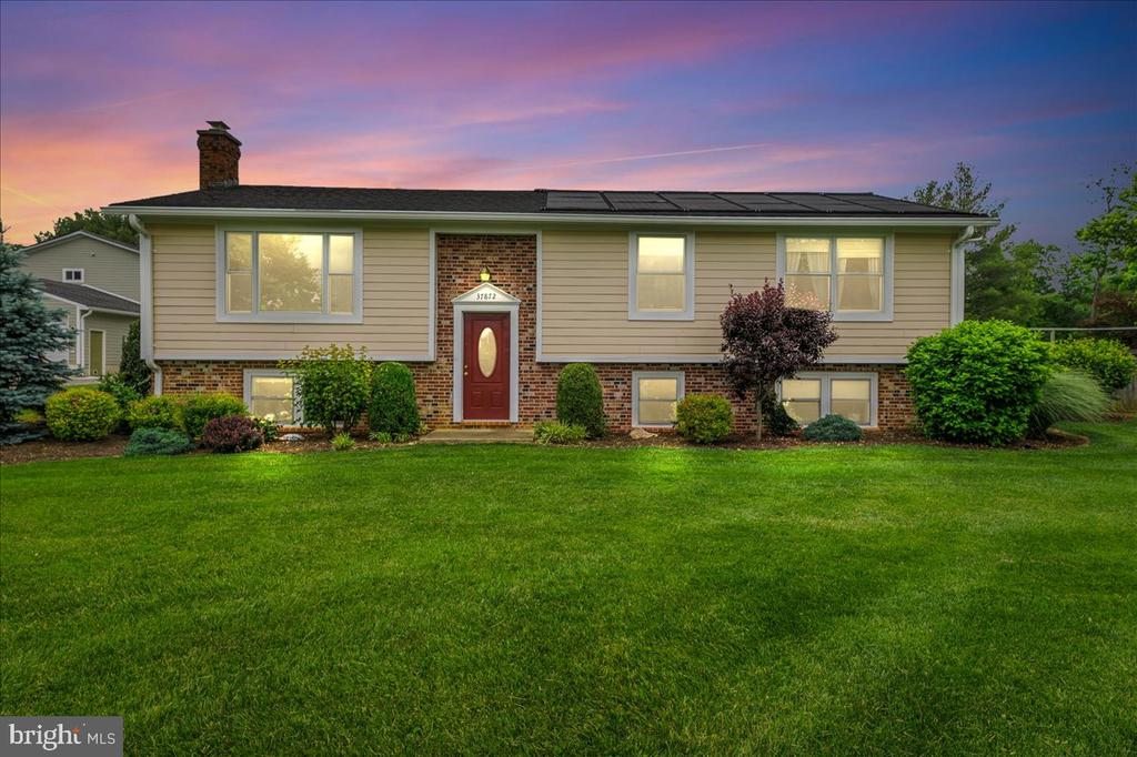 Relax...you're home - 37872 CHARLES TOWN PIKE, HILLSBORO