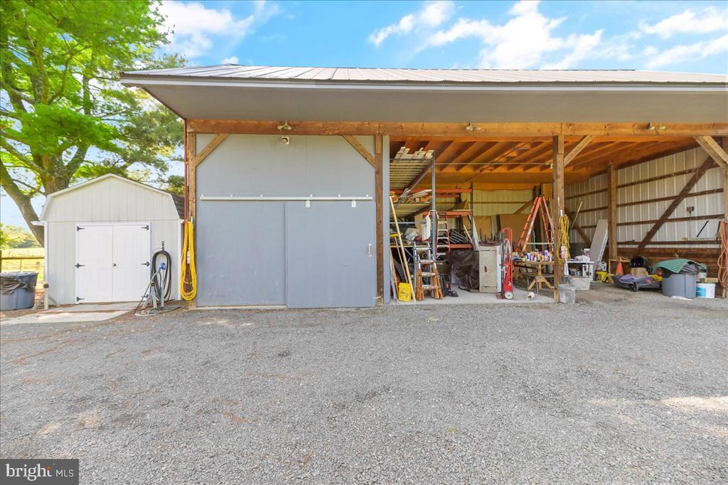 Equipment Shed w/Loft - 37872 CHARLES TOWN PIKE, HILLSBORO
