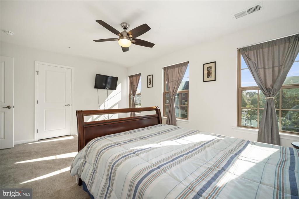 Bedroom #3 with ceiling fan - 17105 SEA SKIFF WAY, DUMFRIES