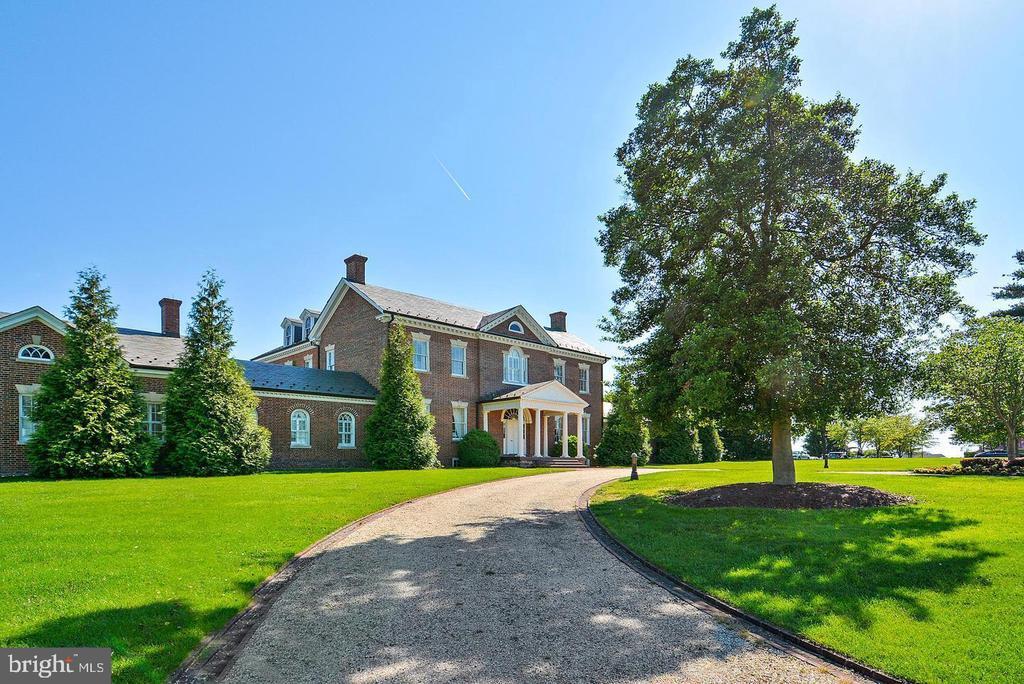 Manor House - 20373 MEDALIST DR, ASHBURN