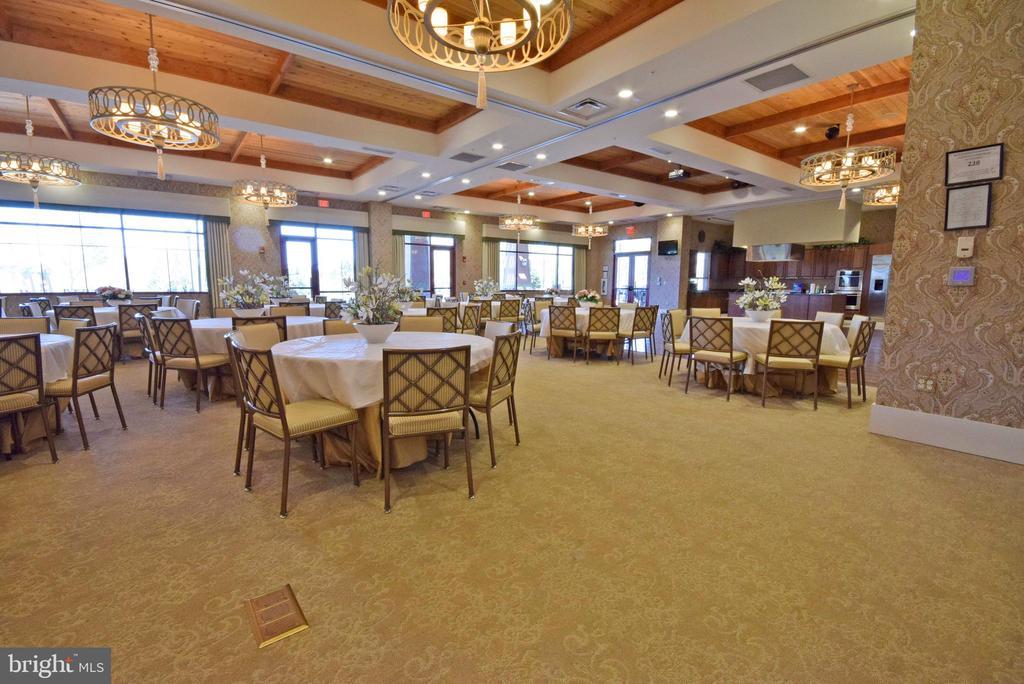 Community Center dining - 238 LONG POINT DR, FREDERICKSBURG