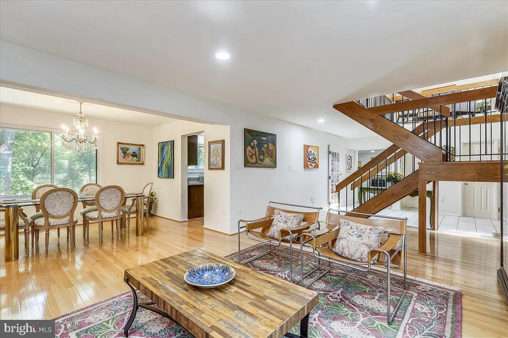 Open layout - view of living room into dining room - 10722 CROSS SCHOOL RD, RESTON