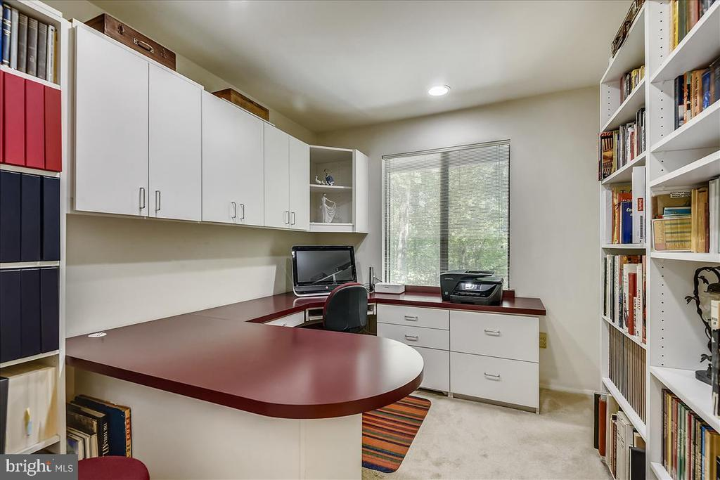 Bedroom 4 with built-in cabinetry and desk - 10722 CROSS SCHOOL RD, RESTON