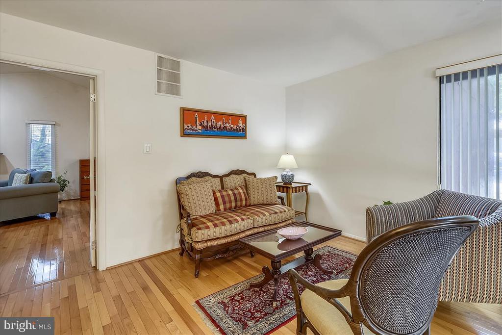 Upper level hallway flex space - 10722 CROSS SCHOOL RD, RESTON
