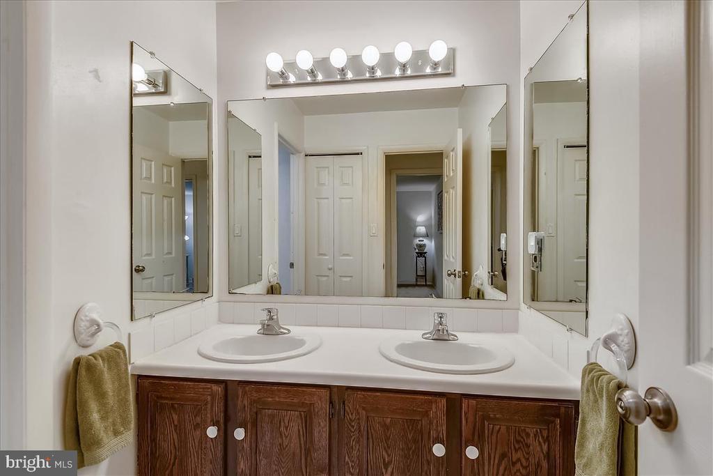 Upper level hall full bathroom - 10722 CROSS SCHOOL RD, RESTON