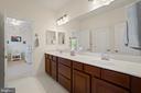 Large Bath with Double sinks adjoins BR#3, BR#4 - 11201 BLUFFS VW, SPOTSYLVANIA