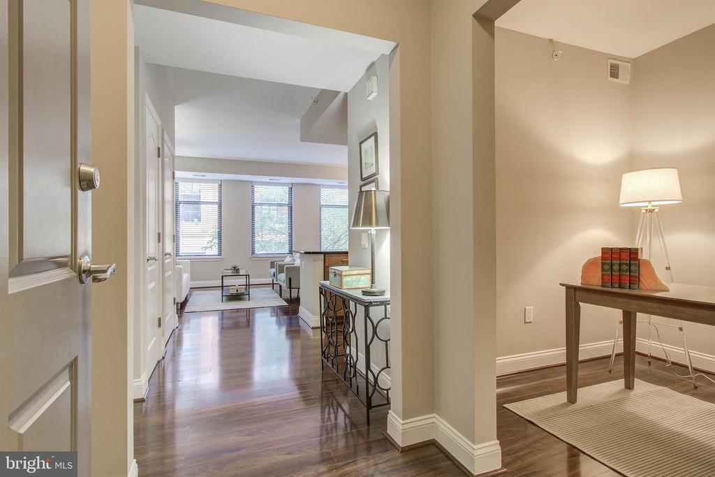 Unit entryway with den on right - 525 N FAYETTE ST #222, ALEXANDRIA