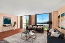 Family room with floor to ceiling windows - 1101 S ARLINGTON RIDGE RD #602, ARLINGTON