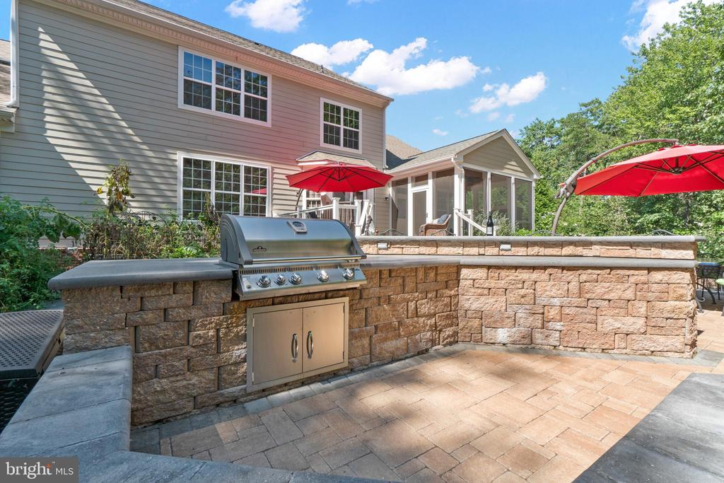 Plenty of Room for the Chef and the Sous! - 11201 BLUFFS VW, SPOTSYLVANIA