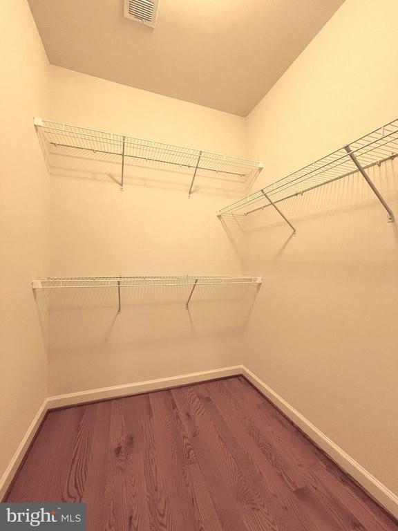 Master Bedroom closet - 42603 OFFENHAM TER, CHANTILLY