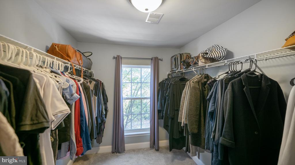 Primary bath large walk-in closet - 12712 PIEDMONT TRAIL RD, CLARKSBURG