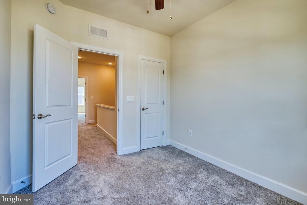 third bedroom on upper level - 15281 CARTERSVILLE CT, HAYMARKET