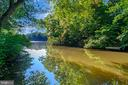 Grab the kayak/canoe, fishing pole and enjoy - 110 CUMBERLAND CIR, LOCUST GROVE